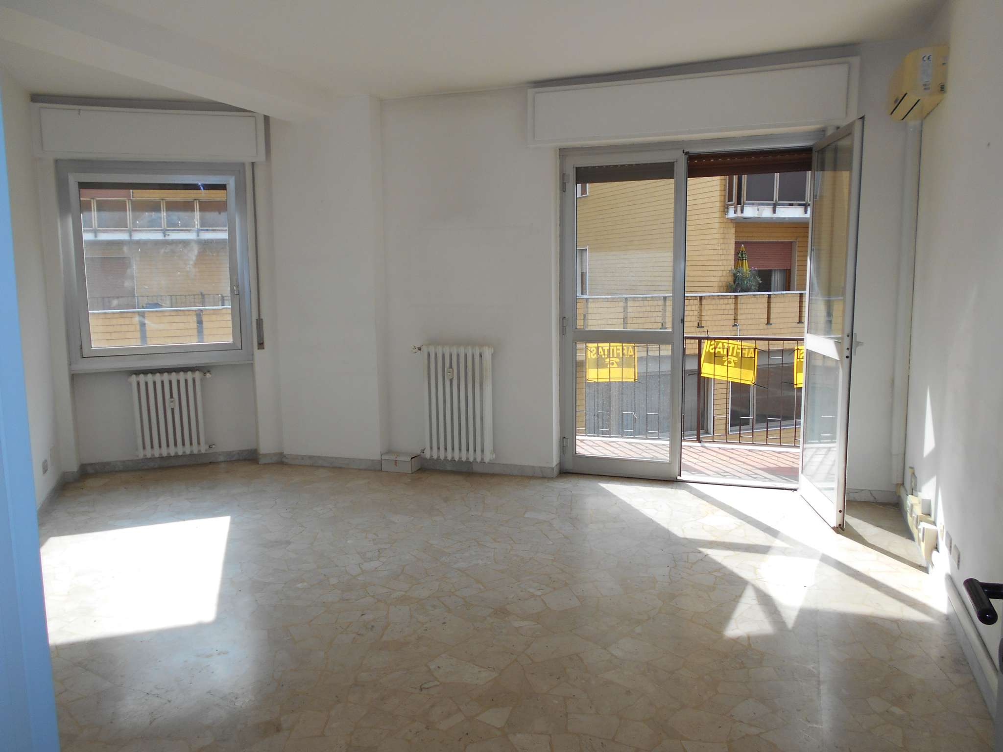 Appartamento in affitto a Varese, 3 locali, prezzo € 800 | CambioCasa.it