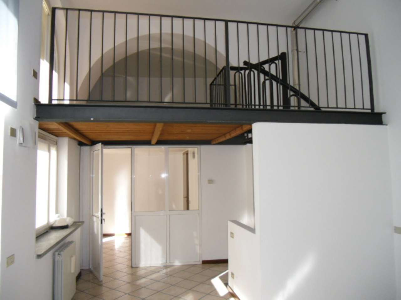 Ufficio / Studio in affitto a Varese, 2 locali, prezzo € 400 | CambioCasa.it