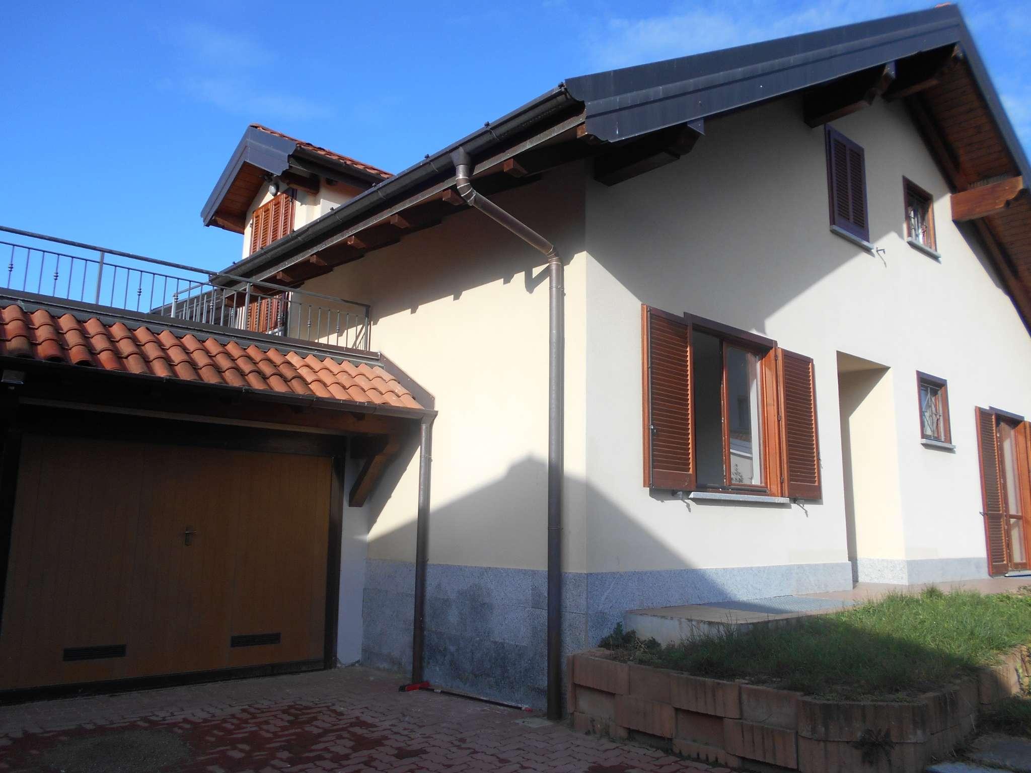 Villa in vendita a Induno Olona, 9 locali, prezzo € 410.000 | PortaleAgenzieImmobiliari.it
