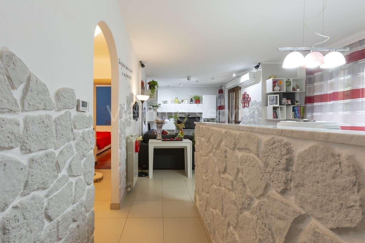 Appartamento ristrutturato in vendita Rif. 7849444