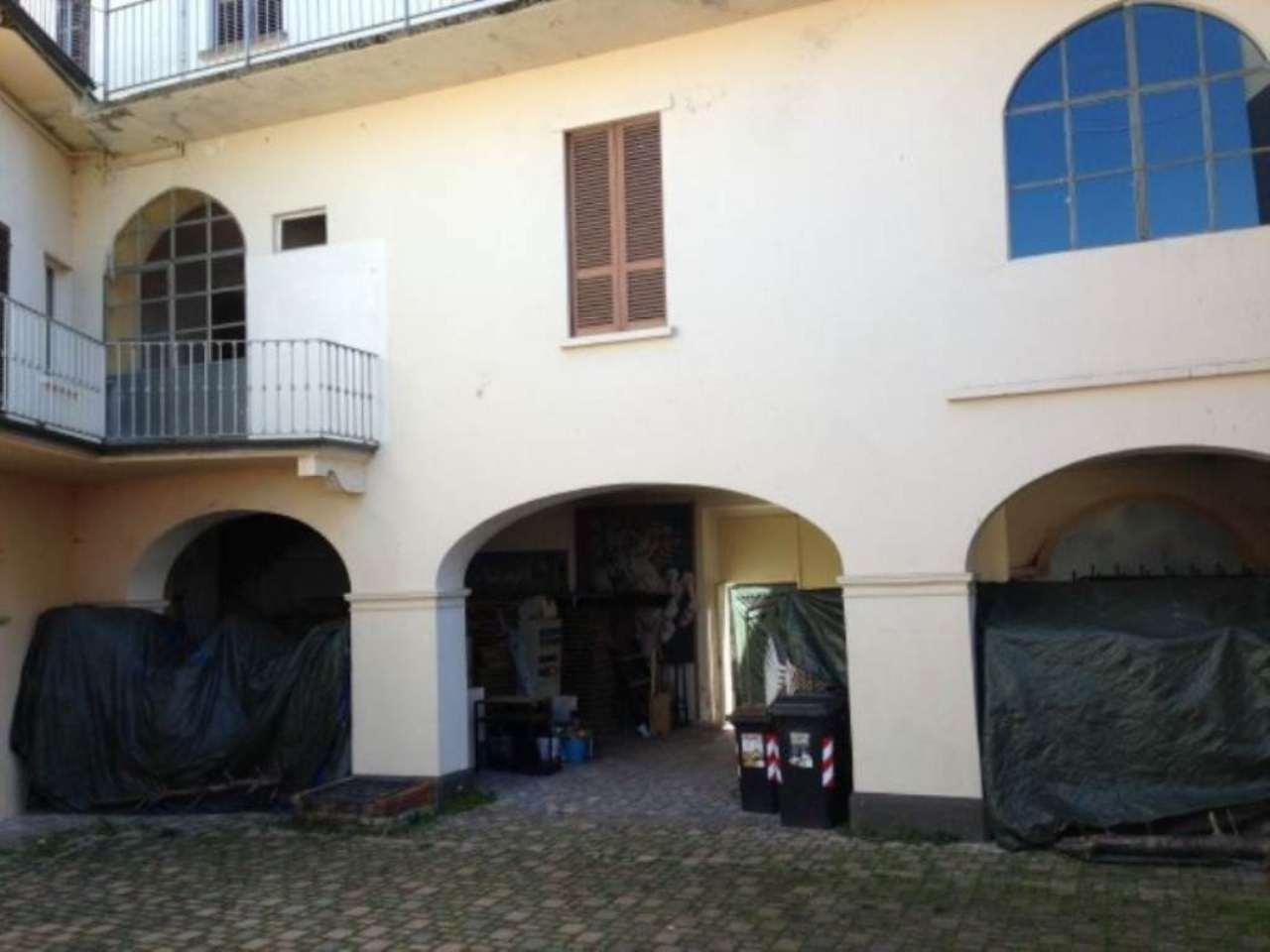 Immobile Commerciale in vendita a Vignale Monferrato, 6 locali, prezzo € 325.000 | CambioCasa.it