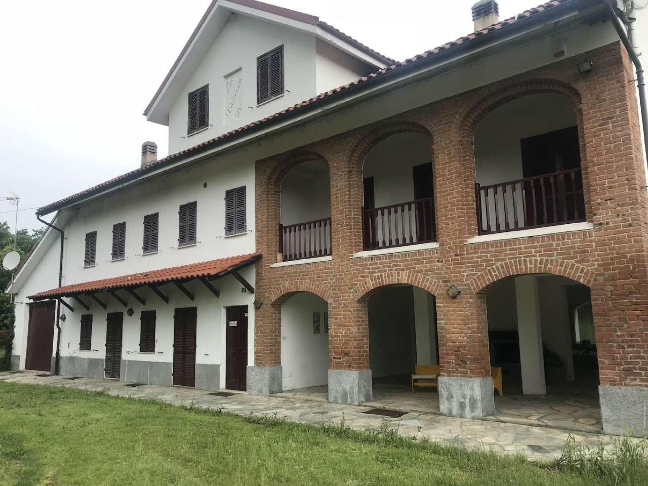 Rustico / Casale in vendita a Moncucco Torinese, 15 locali, prezzo € 250.000   PortaleAgenzieImmobiliari.it