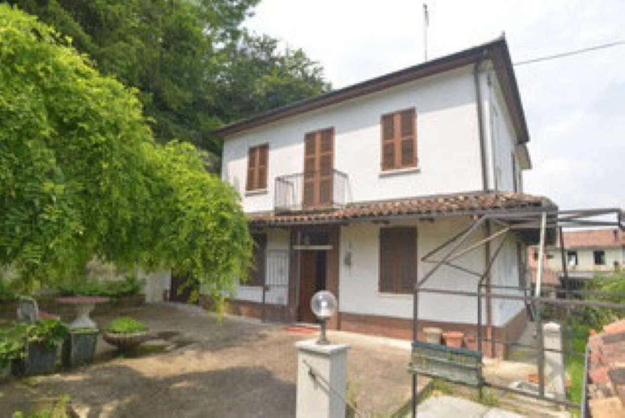 Soluzione Indipendente in vendita a Rocca d'Arazzo, 6 locali, prezzo € 60.000   CambioCasa.it