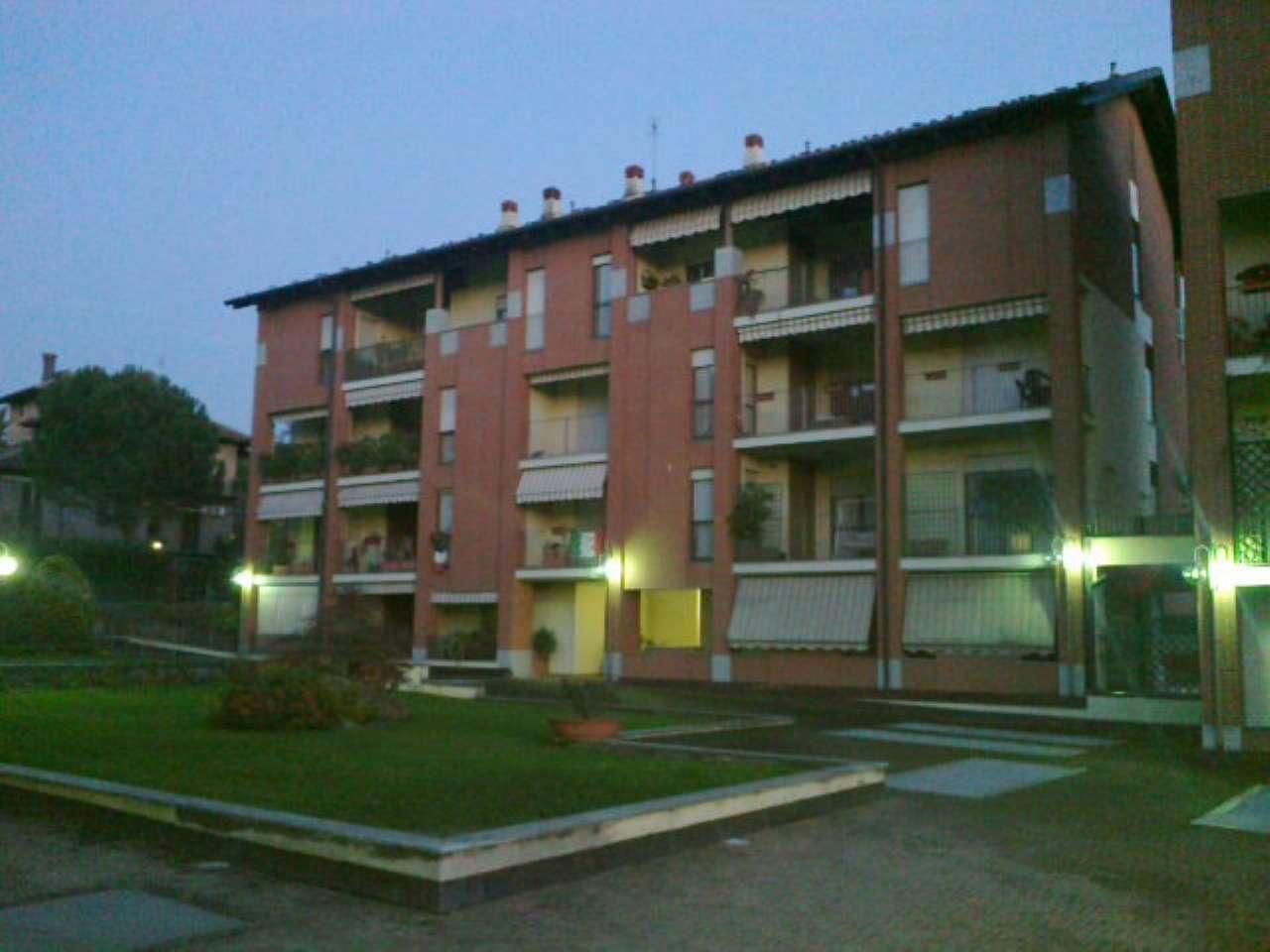 Appartamento in ottime condizioni parzialmente arredato in vendita Rif. 8925757