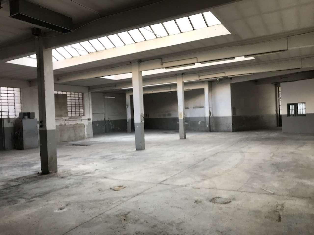 Capannone in vendita a Torino, 3 locali, zona Barca-Bertolla, Falchera, Barriera Milano, Corso Regio Parco, Rebaudengo, prezzo € 130.000 | PortaleAgenzieImmobiliari.it