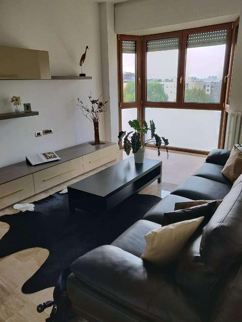 Appartamento ristrutturato parzialmente arredato in vendita Rif. 7933815