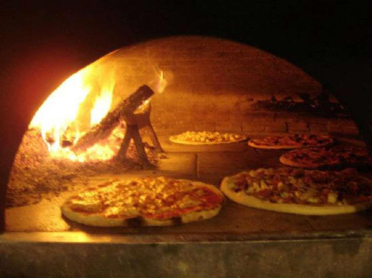 Ristorante / Pizzeria / Trattoria in vendita a Voghera, 3 locali, Trattative riservate | CambioCasa.it
