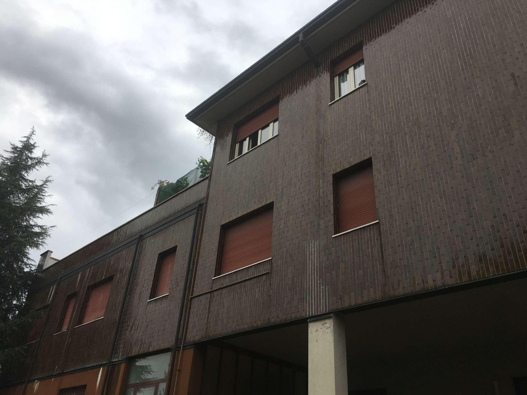 Appartamento in affitto a Lissone, 9999 locali, prezzo € 670 | CambioCasa.it