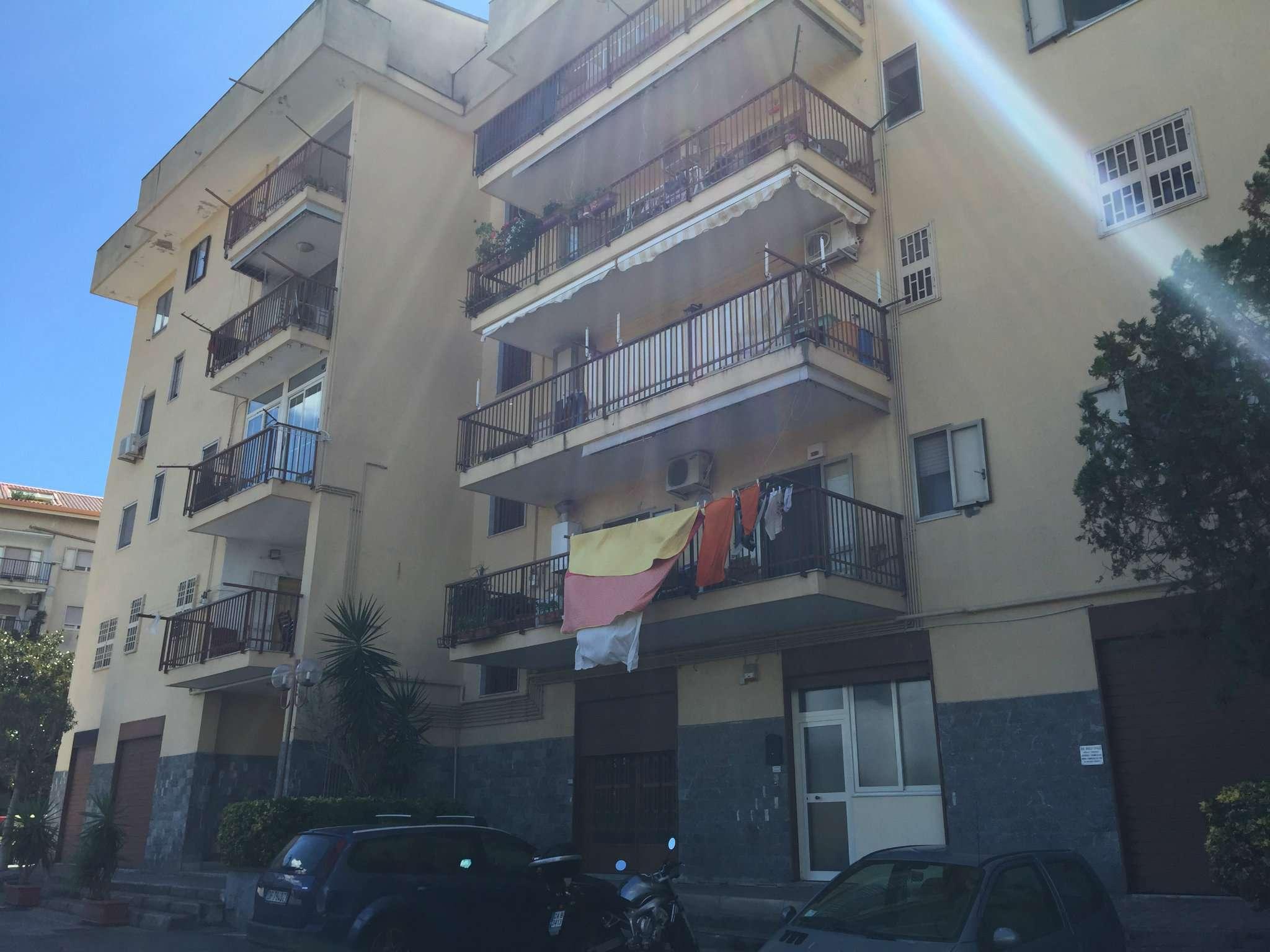 Appartamento in buone condizioni in vendita Rif. 5185867