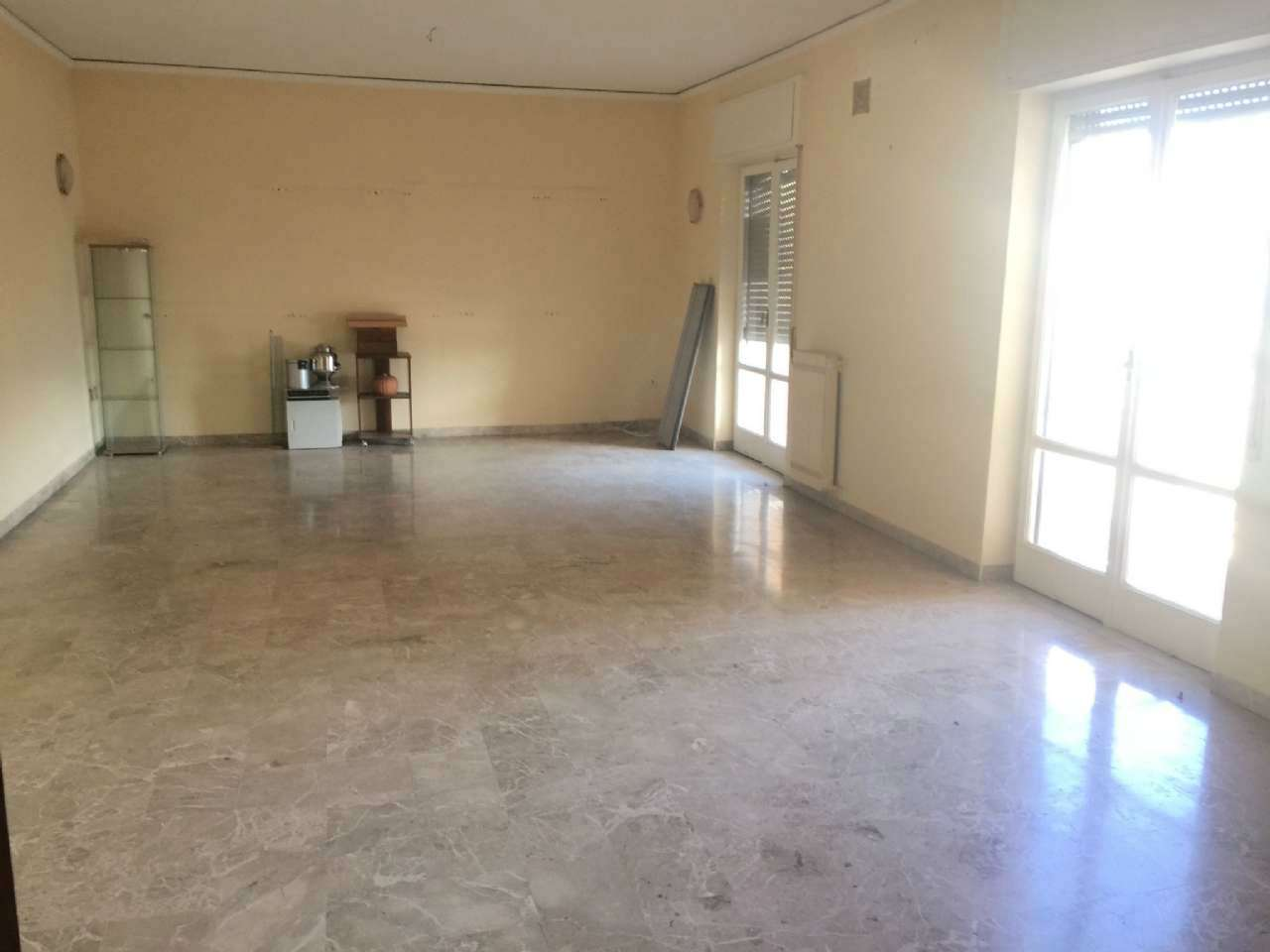 Appartamento in affitto a Marigliano, 5 locali, prezzo € 500   CambioCasa.it