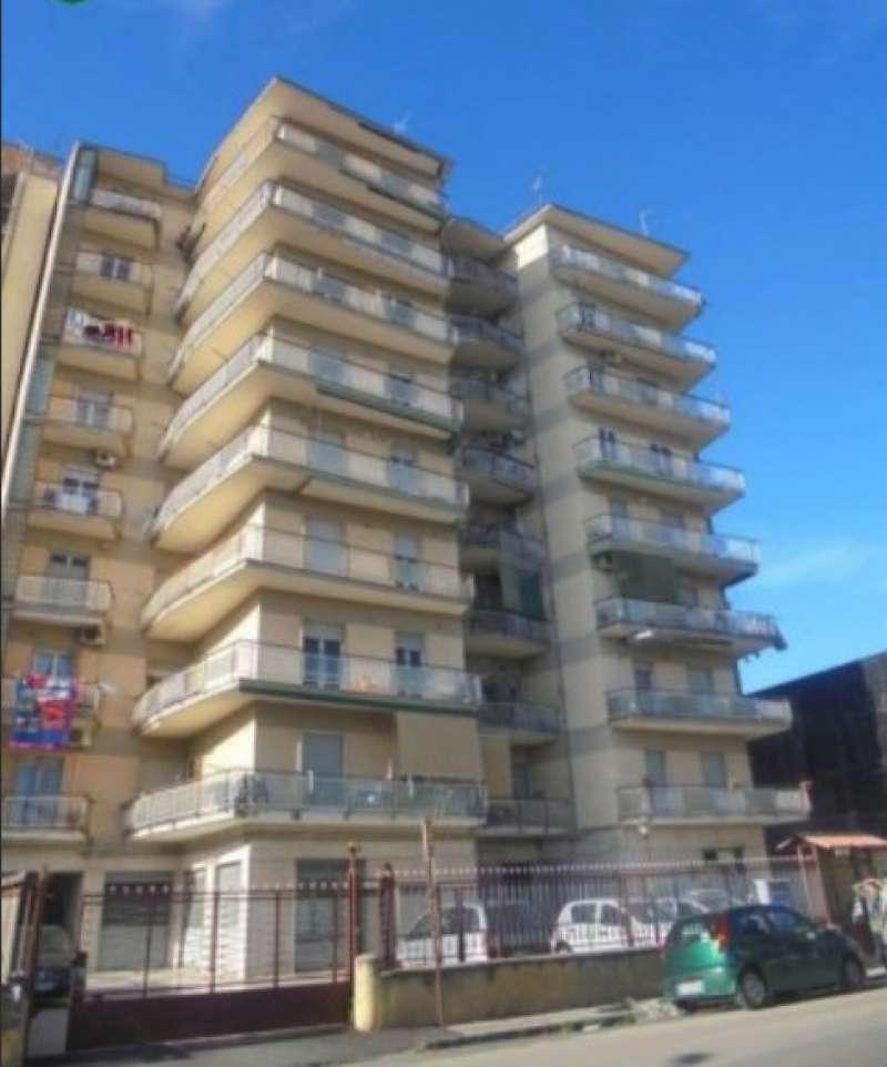 Appartamento in buone condizioni in vendita Rif. 7643835