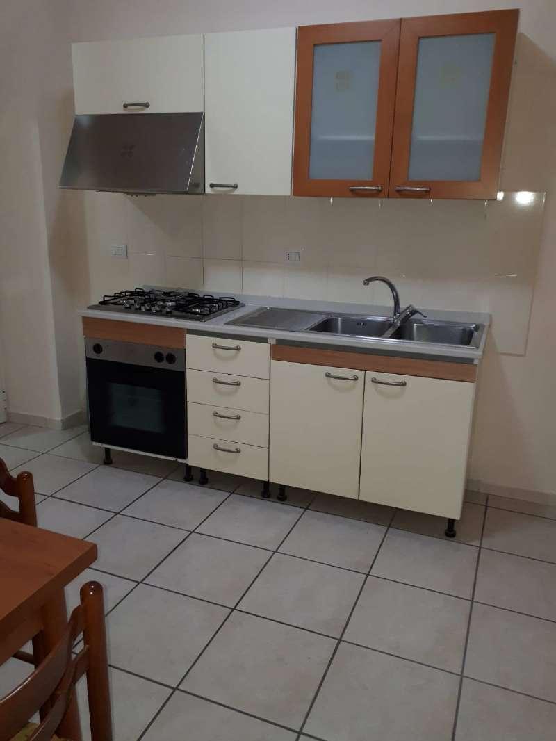 Appartamento in buone condizioni arredato in affitto Rif. 6316785