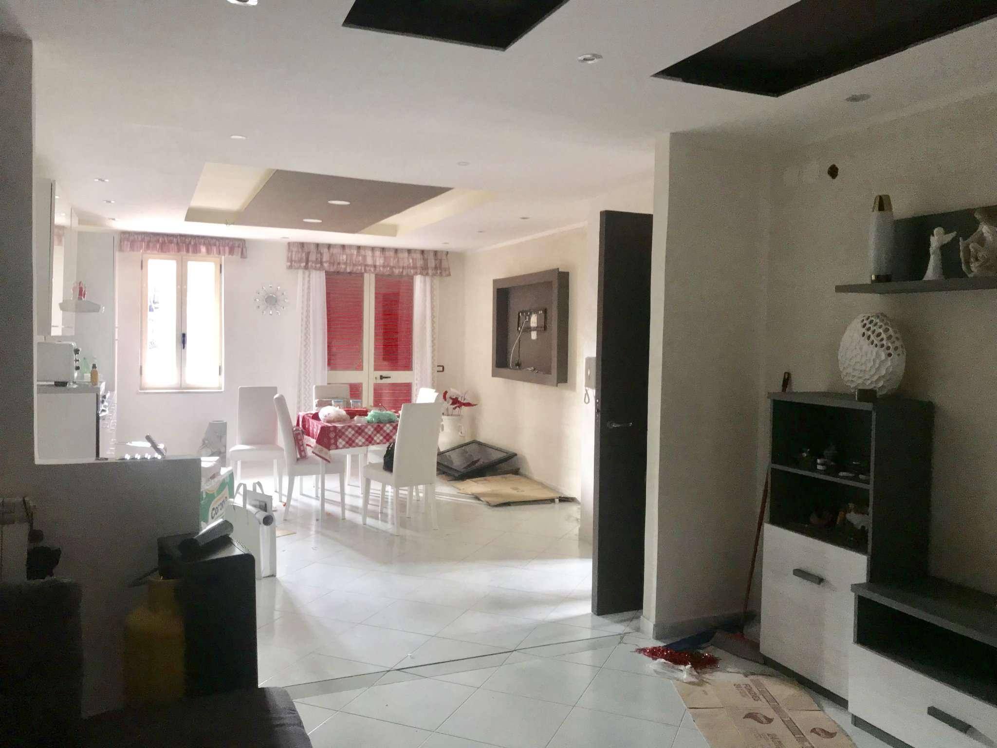 Appartamento in ottime condizioni in affitto Rif. 9468895