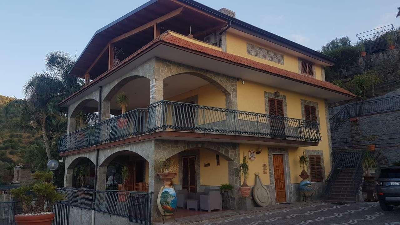 Villa in affitto a Castellabate, 9999 locali, Trattative riservate   CambioCasa.it