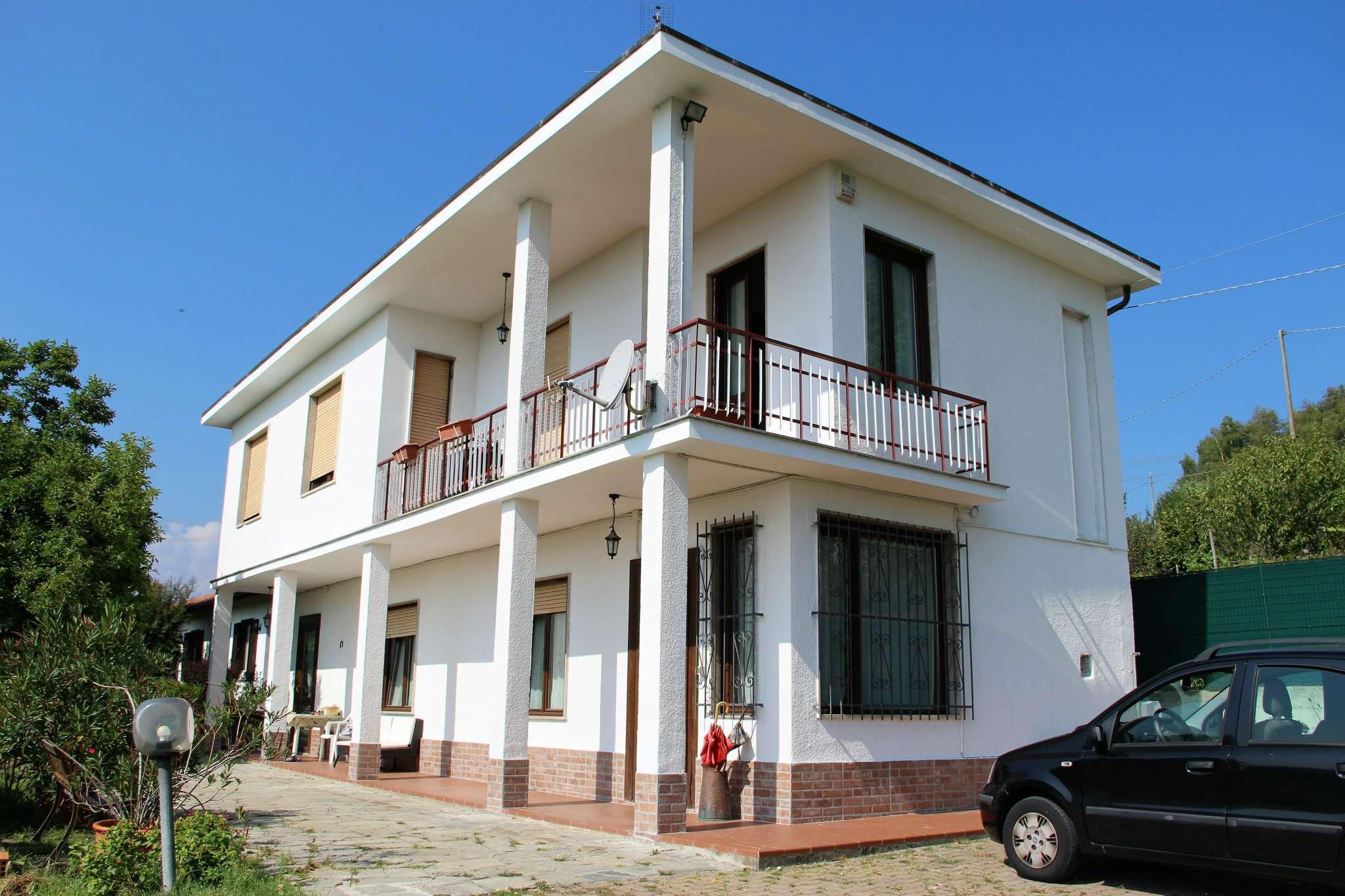Villa in vendita a Villarbasse, 8 locali, prezzo € 430.000 | CambioCasa.it