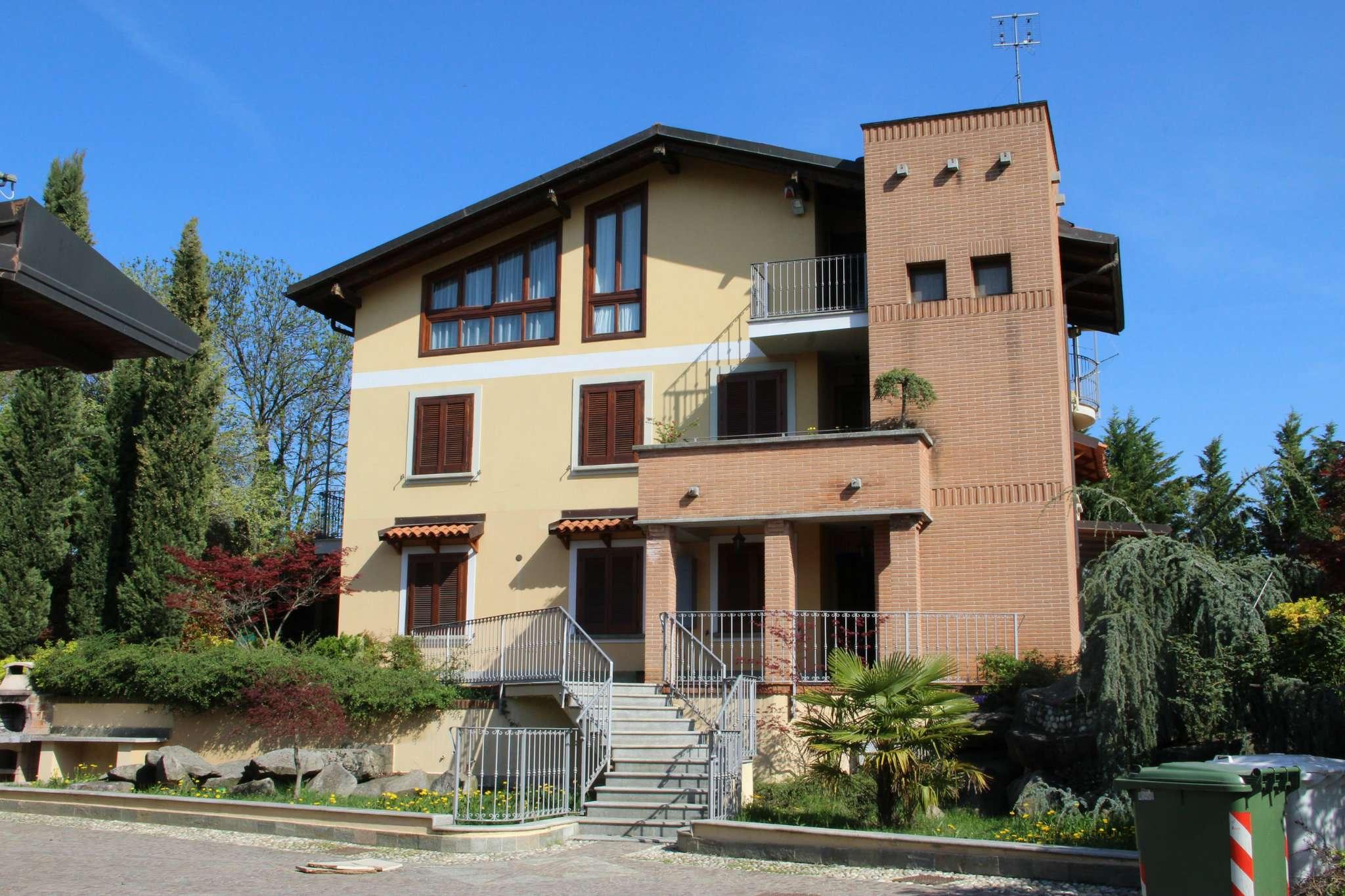 Appartamento in ottime condizioni in vendita Rif. 8778244