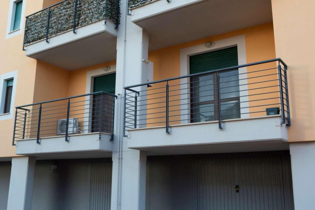 Appartamento in ottime condizioni arredato in vendita Rif. 8648515