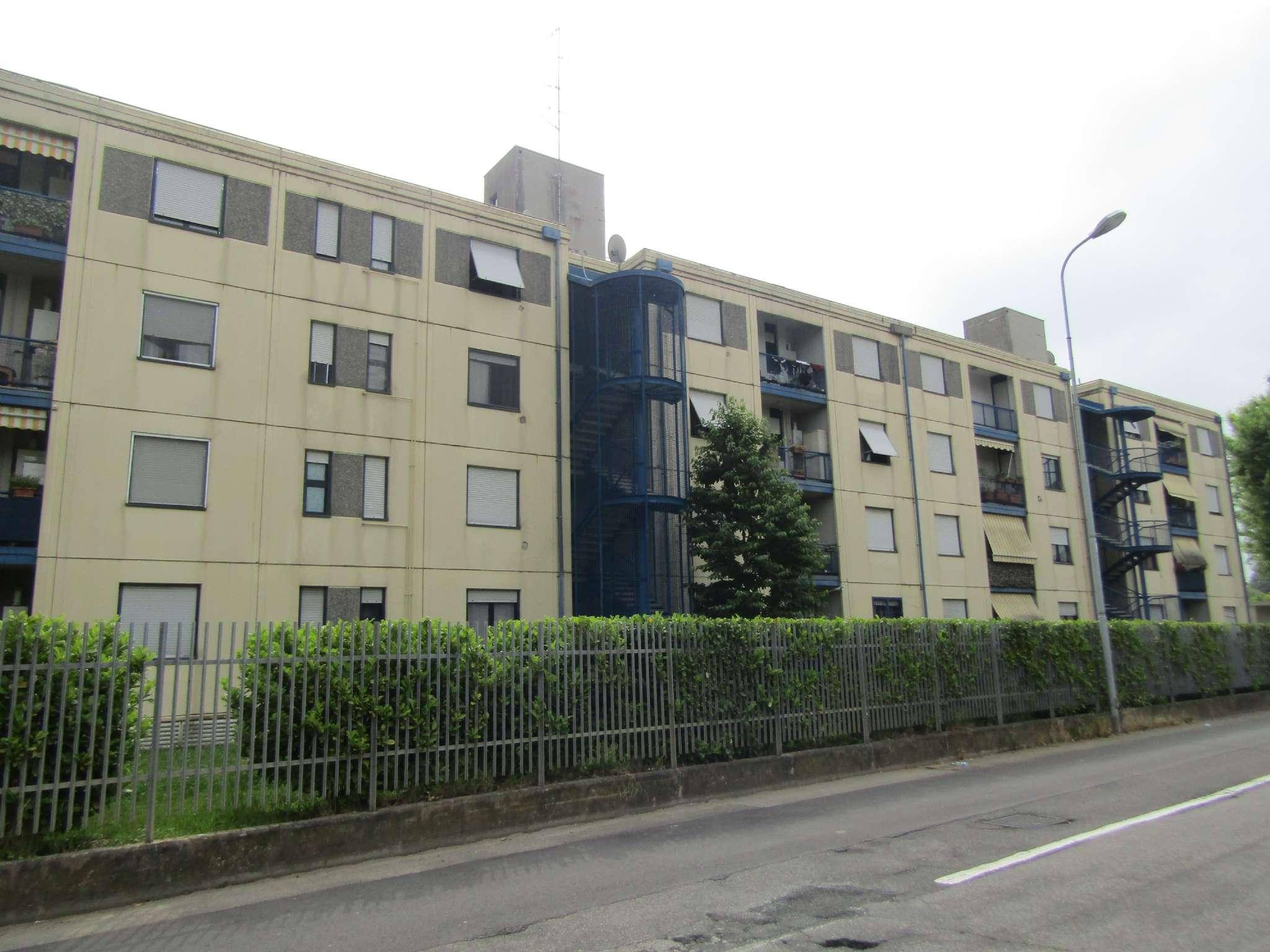 Appartamento in vendita a Lentate sul Seveso, 3 locali, prezzo € 85.000 | PortaleAgenzieImmobiliari.it