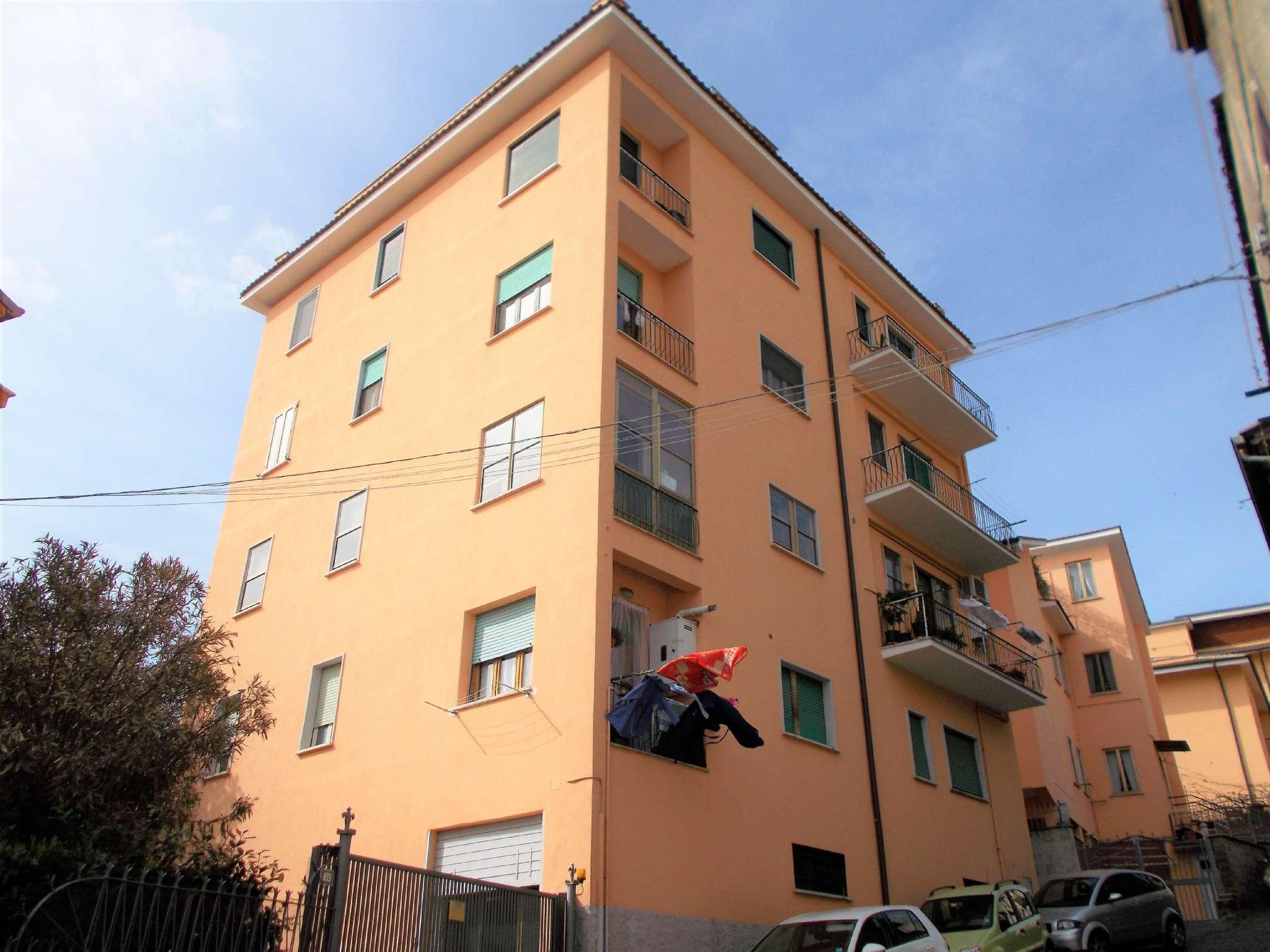 Appartamento in buone condizioni in vendita Rif. 6109927