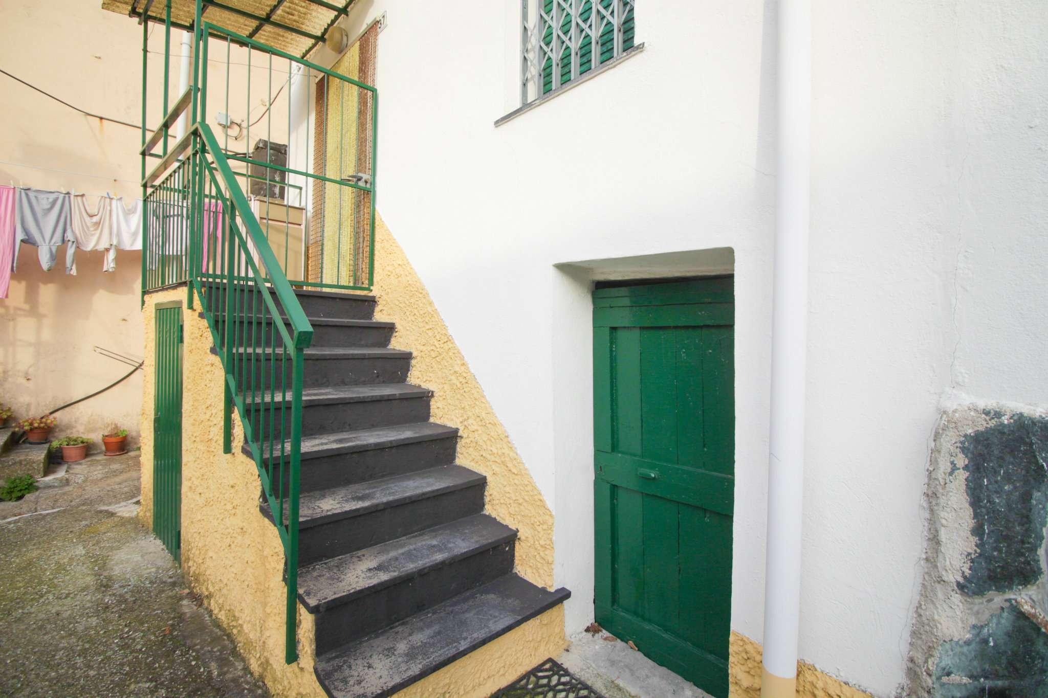 Palazzo / Stabile in Vendita a Bargagli