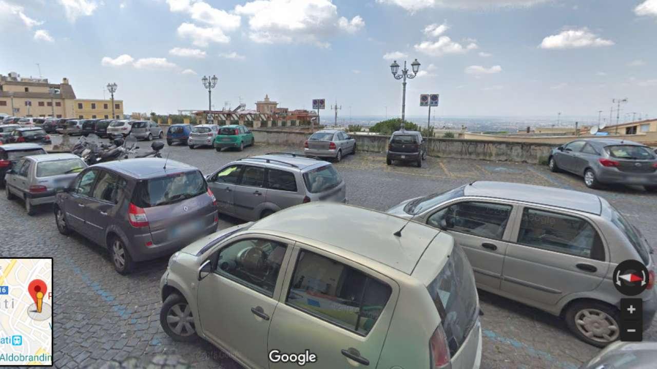 Negozio / Locale in affitto a Frascati, 9999 locali, prezzo € 2.700 | CambioCasa.it