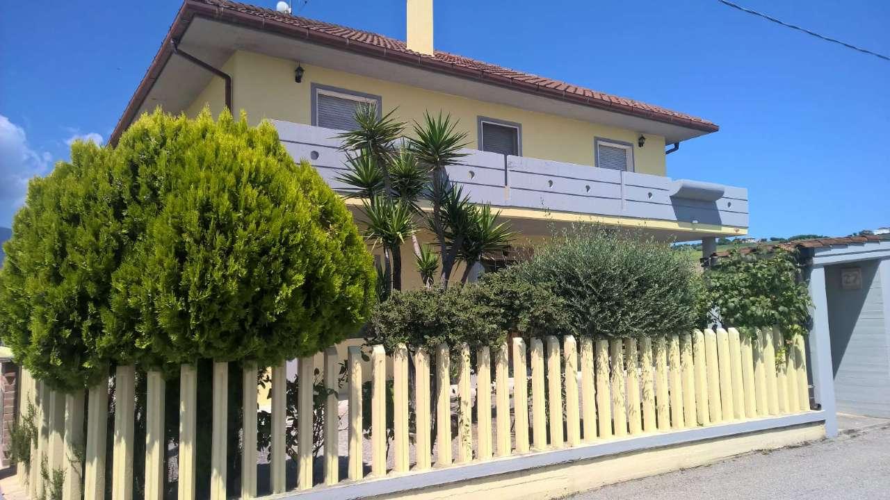 Casa Indipendente arredato in vendita Rif. 9215297