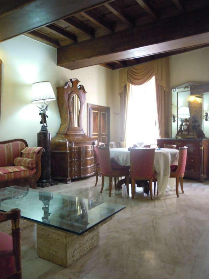 Appartamento in vendita a Roma, 4 locali, zona Zona: 1 . Centro storico, prezzo € 1.200.000 | CambioCasa.it
