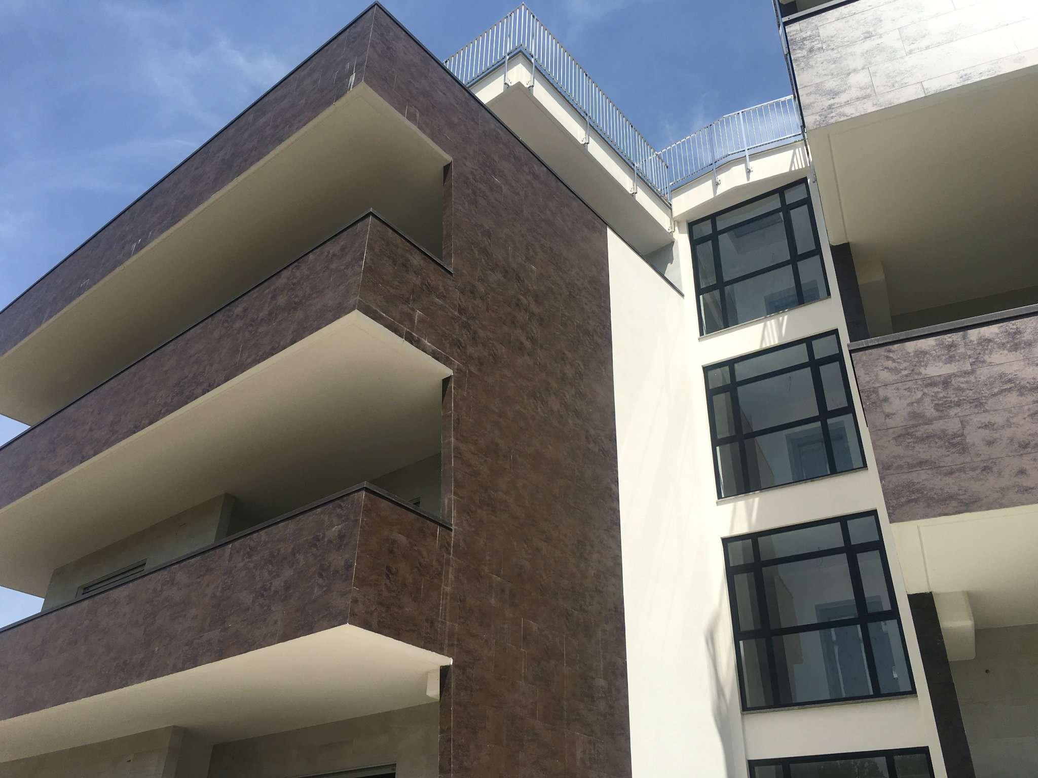 Appartamento in vendita a Roma, 5 locali, zona Zona: 18 . Ardeatino - Grotta Perfetta - Fonte Meravigliosa, prezzo € 750.000   CambioCasa.it