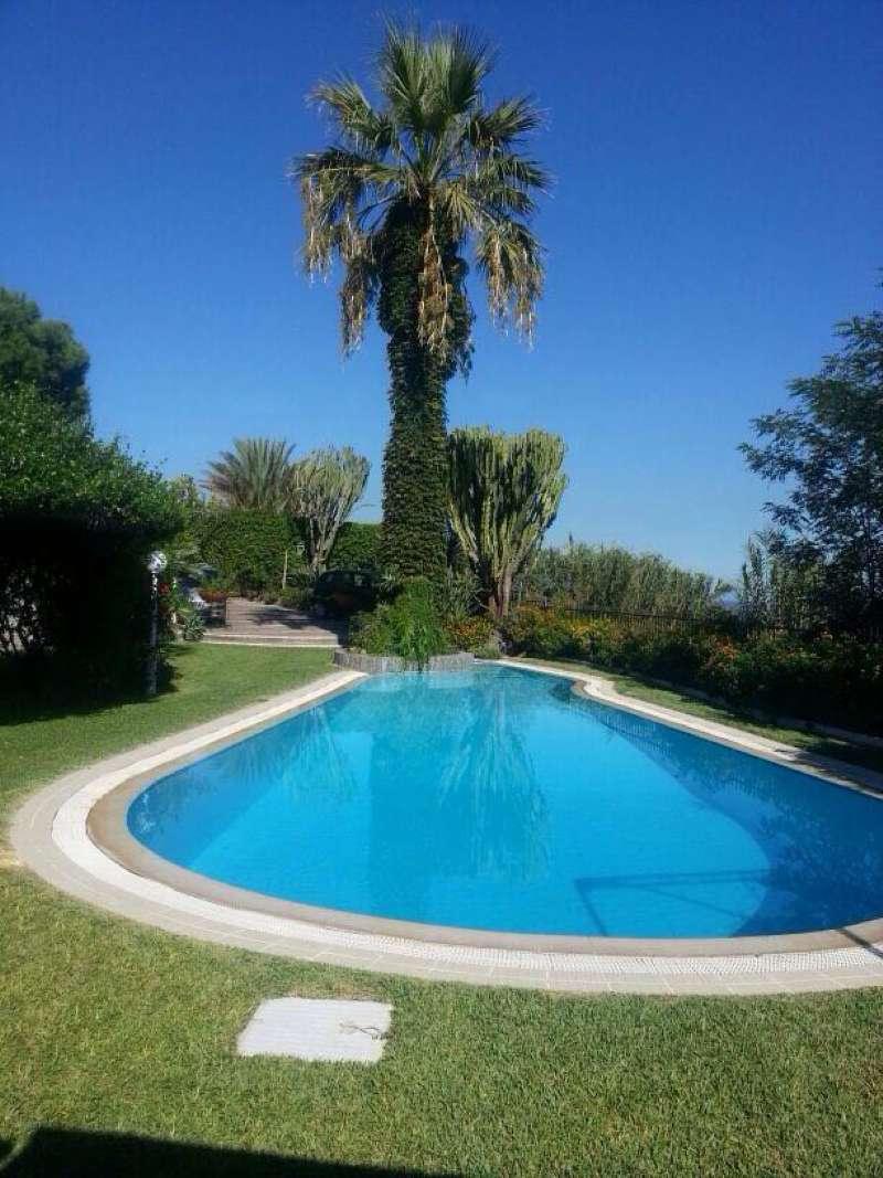 Villa in vendita a Forio, 6 locali, prezzo € 820.000   CambioCasa.it