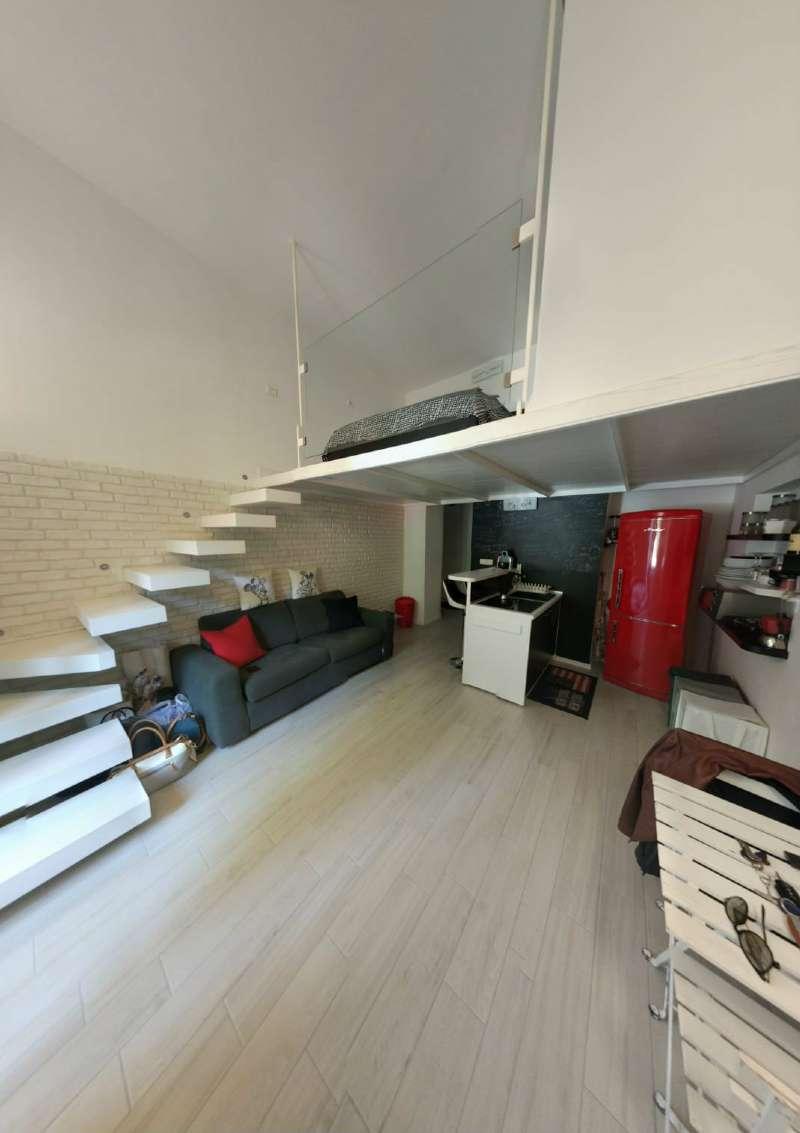 Appartamento in affitto a Napoli, 2 locali, zona Zona: 1 . Chiaia, Posillipo, San Ferdinando, prezzo € 750 | CambioCasa.it