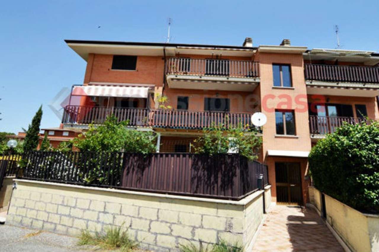 Appartamento in buone condizioni in vendita Rif. 7874310
