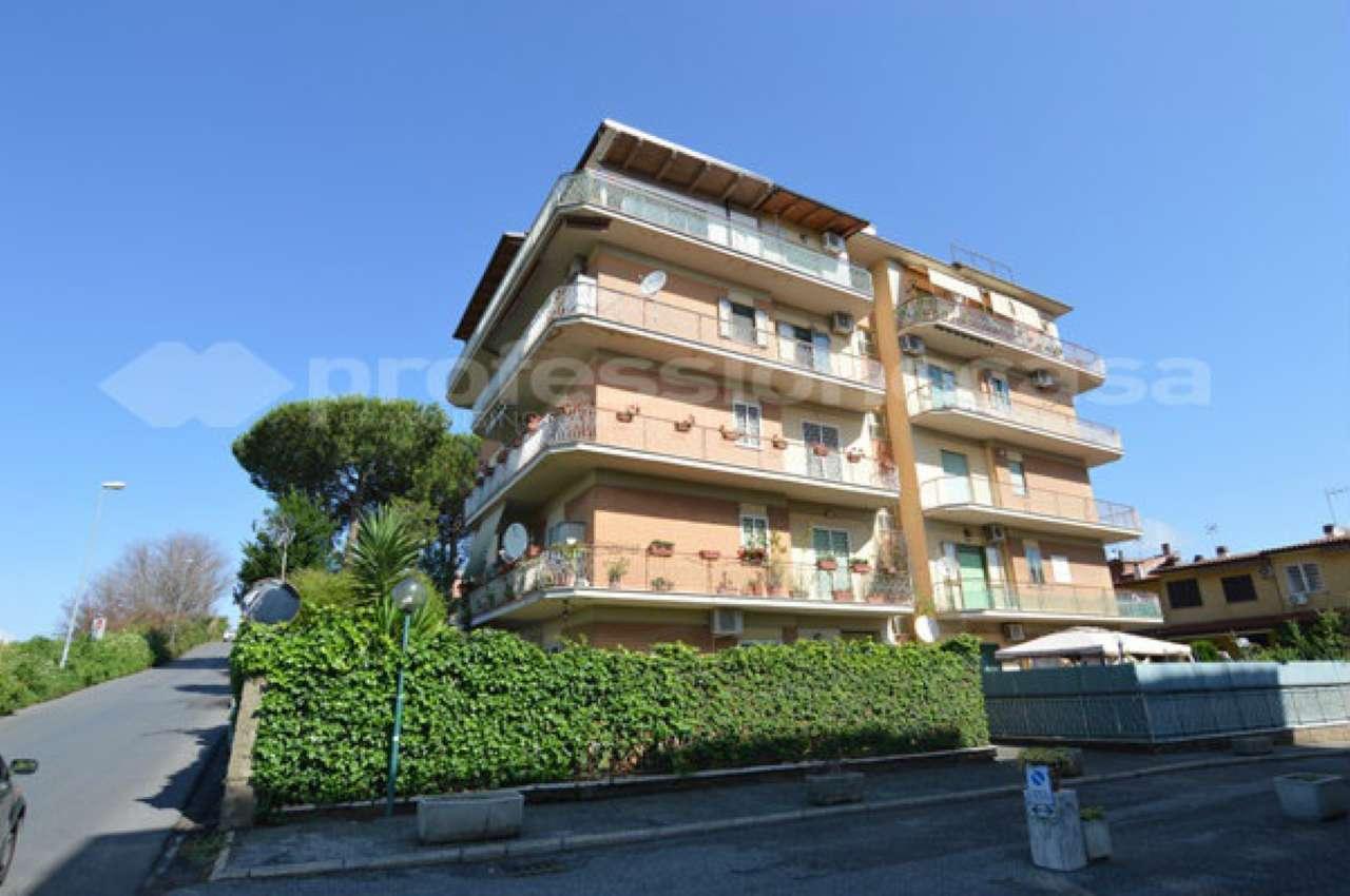 Appartamento da ristrutturare in vendita Rif. 7338029