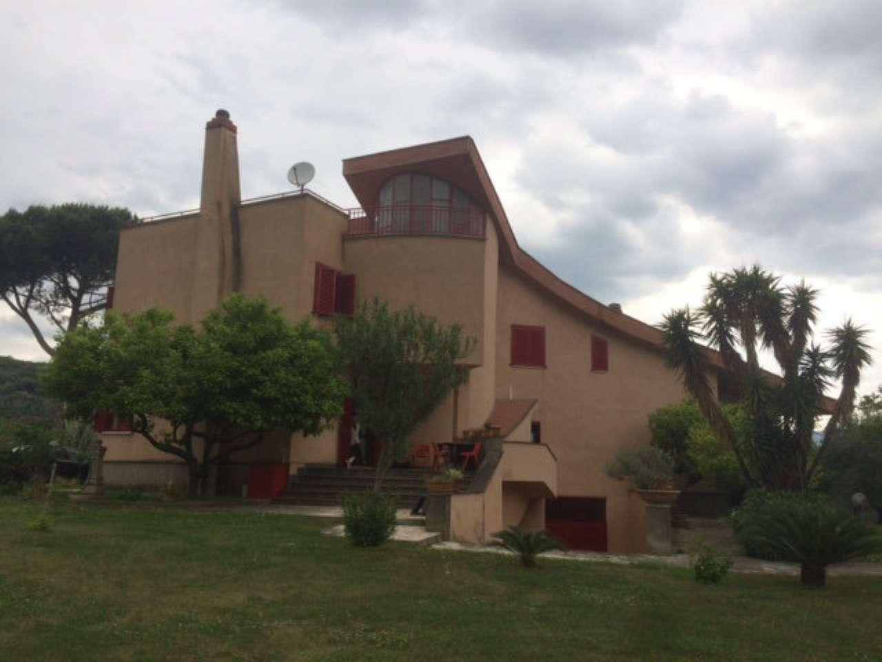 Villa in buone condizioni in vendita Rif. 6788084