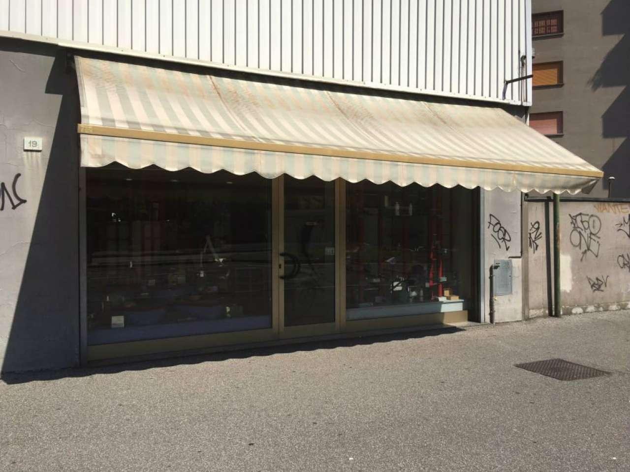 Negozio / Locale in affitto a Cologno Monzese, 2 locali, prezzo € 1.200 | CambioCasa.it