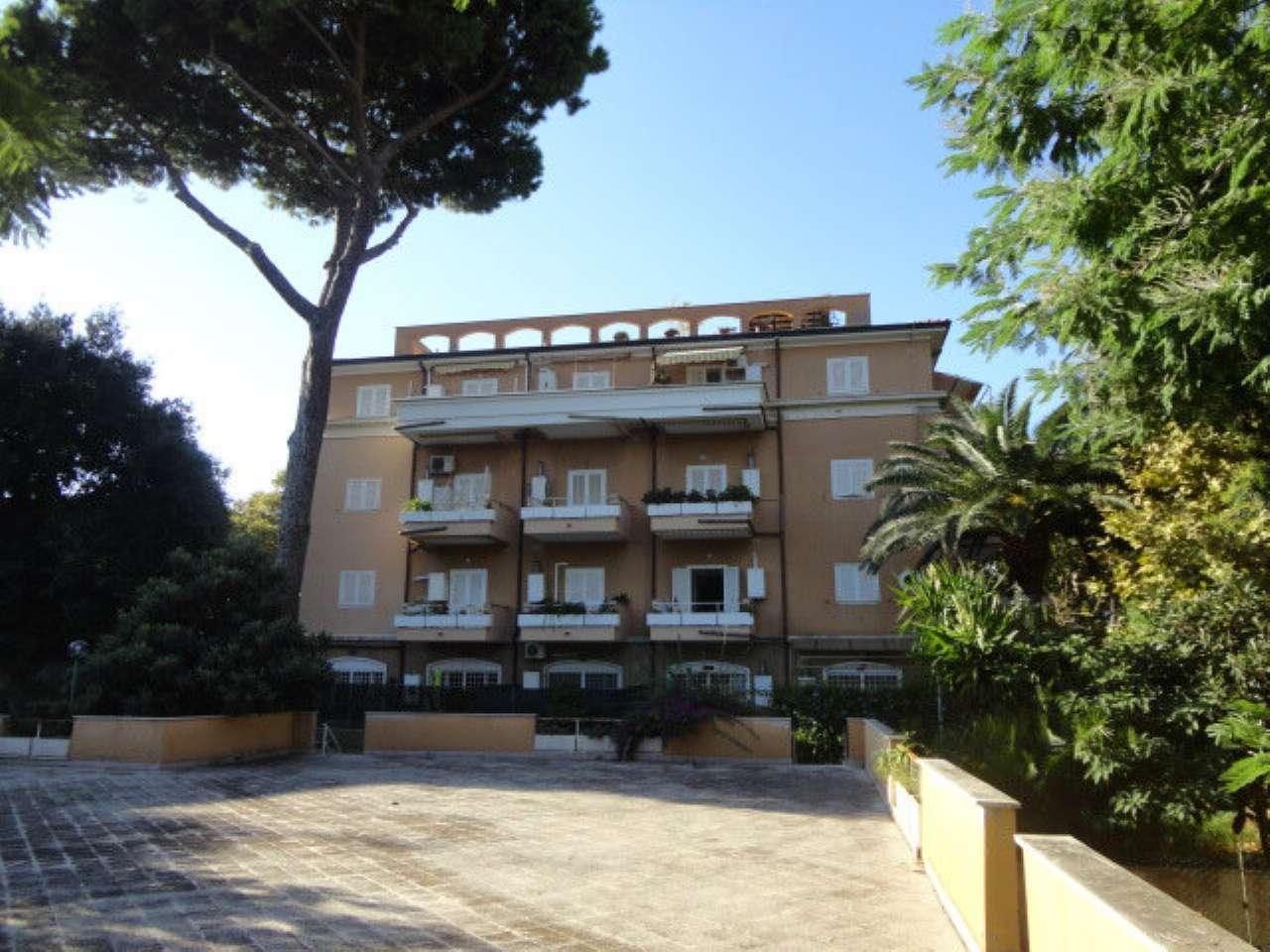 Appartamento in buone condizioni arredato in affitto Rif. 8087515