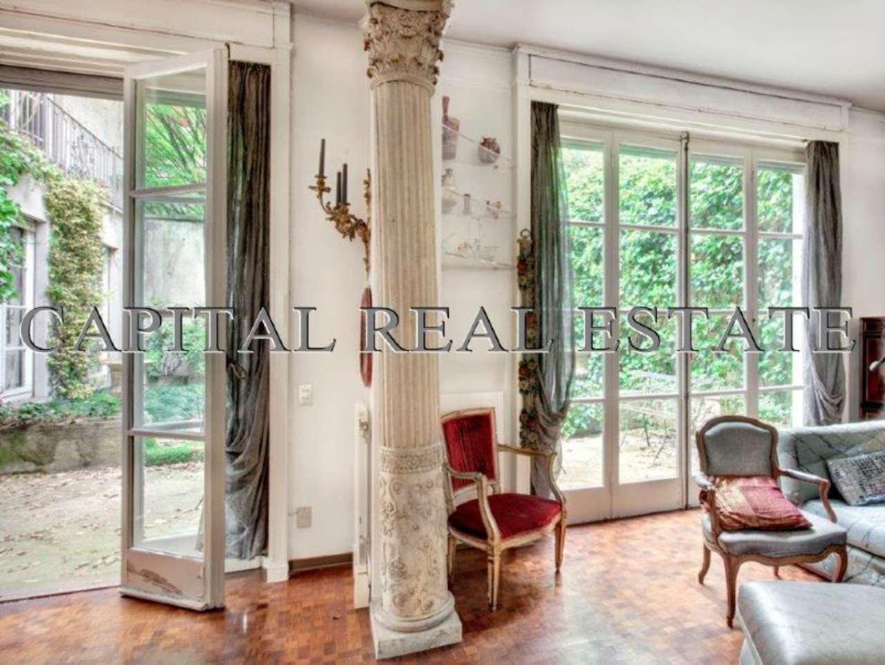 Villa milano vendita zona 1 centro storico duomo brera for Grandi bagni padronali