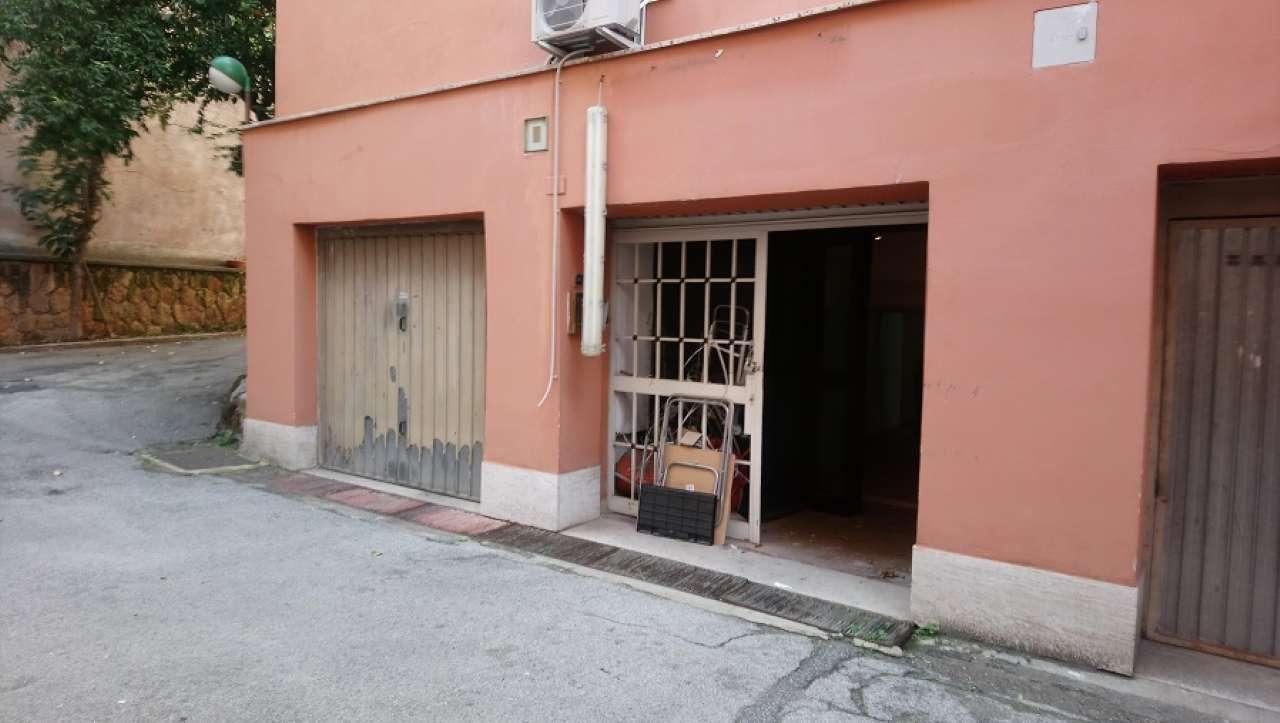 Laboratorio in affitto a Roma, 1 locali, zona Zona: 14 . San Giovanni, Re di Roma, P.ta Metronia, prezzo € 1.400 | CambioCasa.it