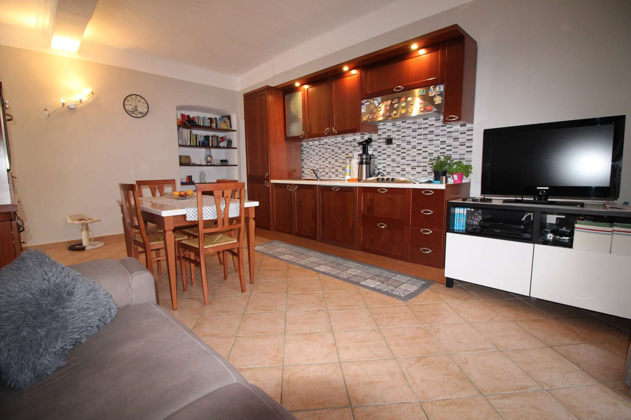 Porzione di casa in ottime condizioni parzialmente arredato in vendita Rif. 7485284