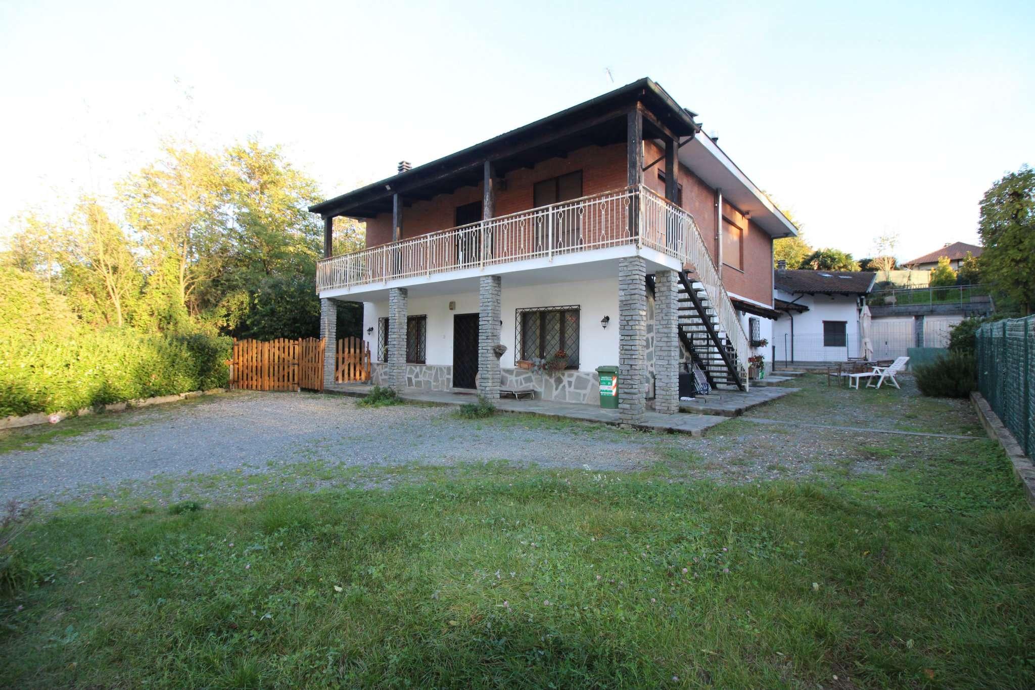 Appartamento in buone condizioni in vendita Rif. 8443657
