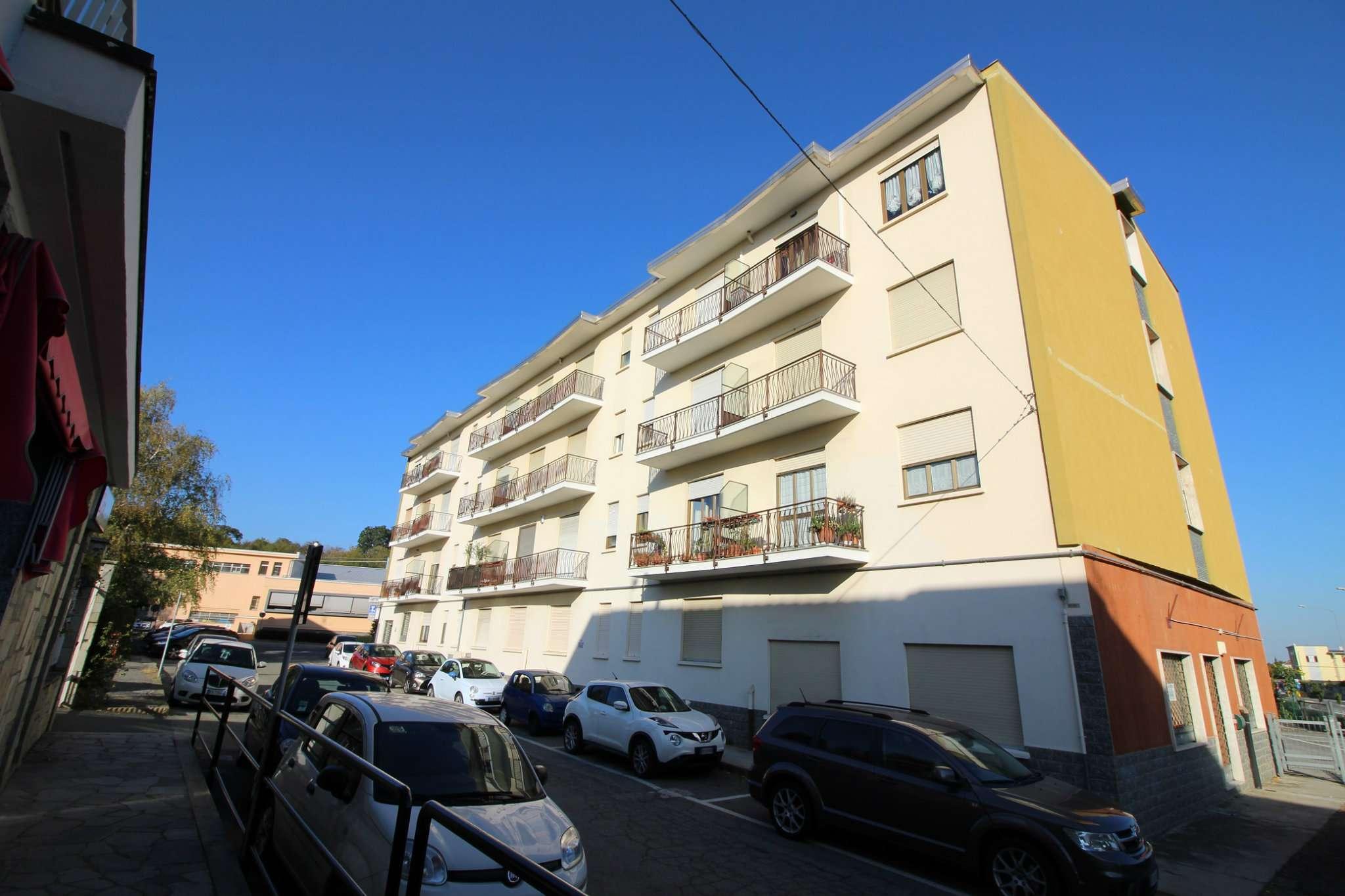 Appartamento in buone condizioni in vendita Rif. 8328827