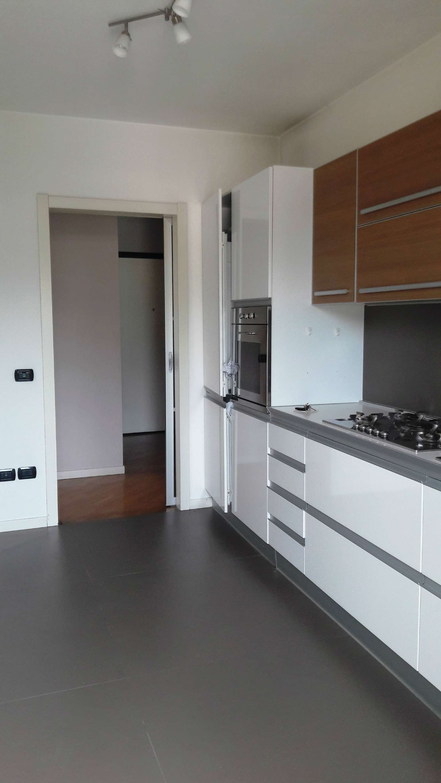 Appartamento in ottime condizioni in vendita Rif. 7270402