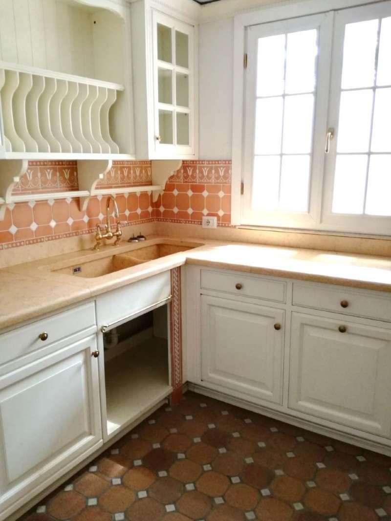 Appartamento in ottime condizioni parzialmente arredato in vendita Rif. 7270403