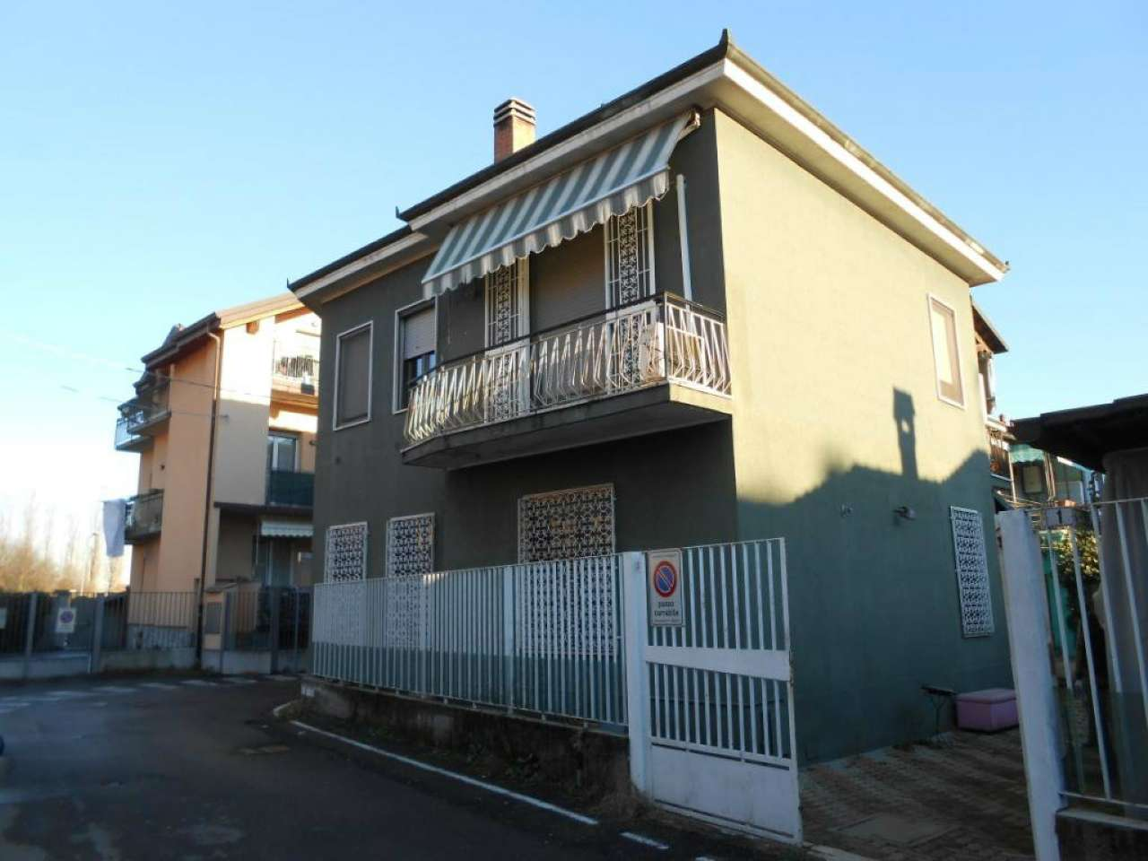 Appartamento in vendita a Vanzago, 3 locali, prezzo € 160.000 | PortaleAgenzieImmobiliari.it