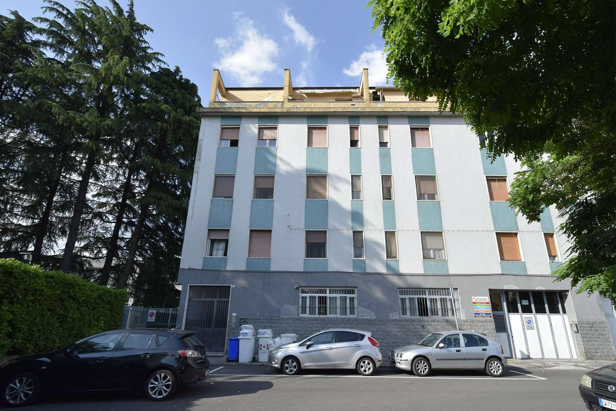 Appartamento in buone condizioni parzialmente arredato in vendita Rif. 7299698