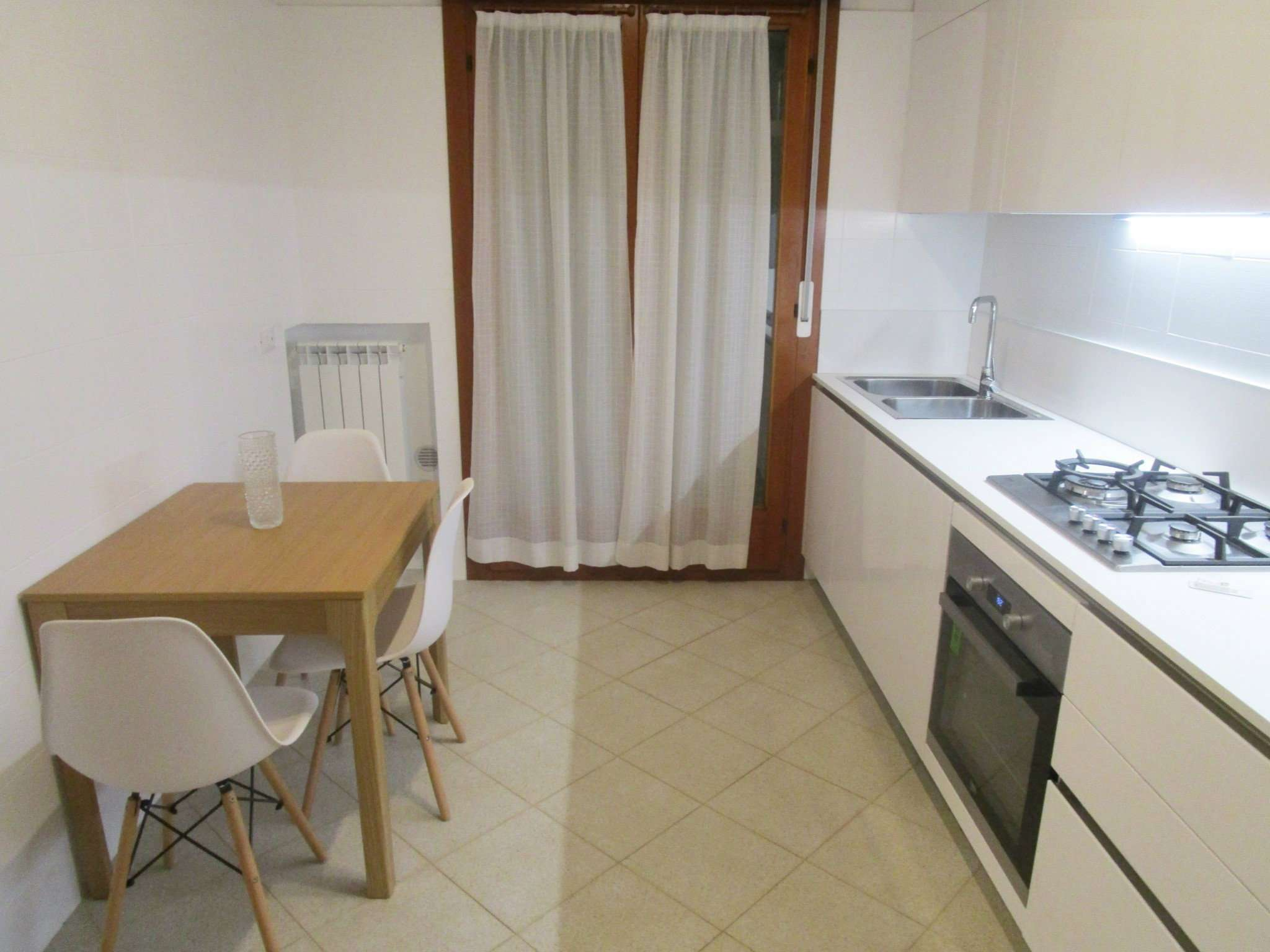 Appartamento in ottime condizioni parzialmente arredato in affitto Rif. 9180547