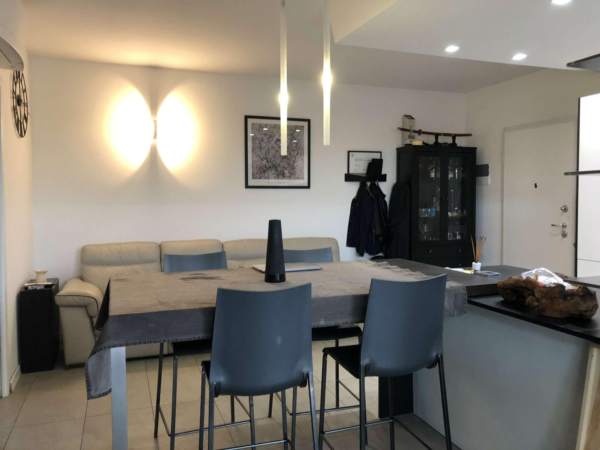 Appartamento in ottime condizioni in vendita Rif. 8468425