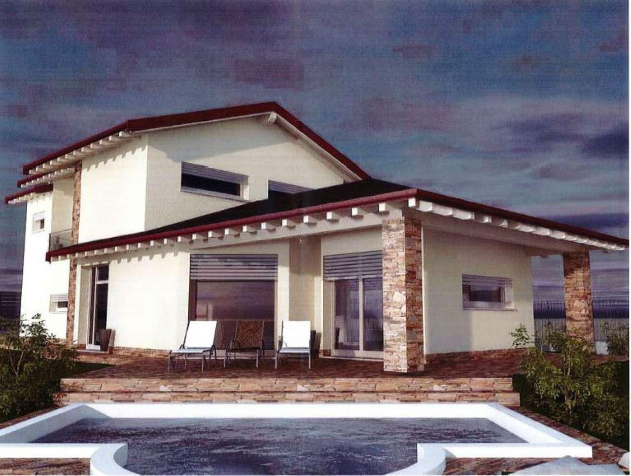 Villa in Vendita a Comerio