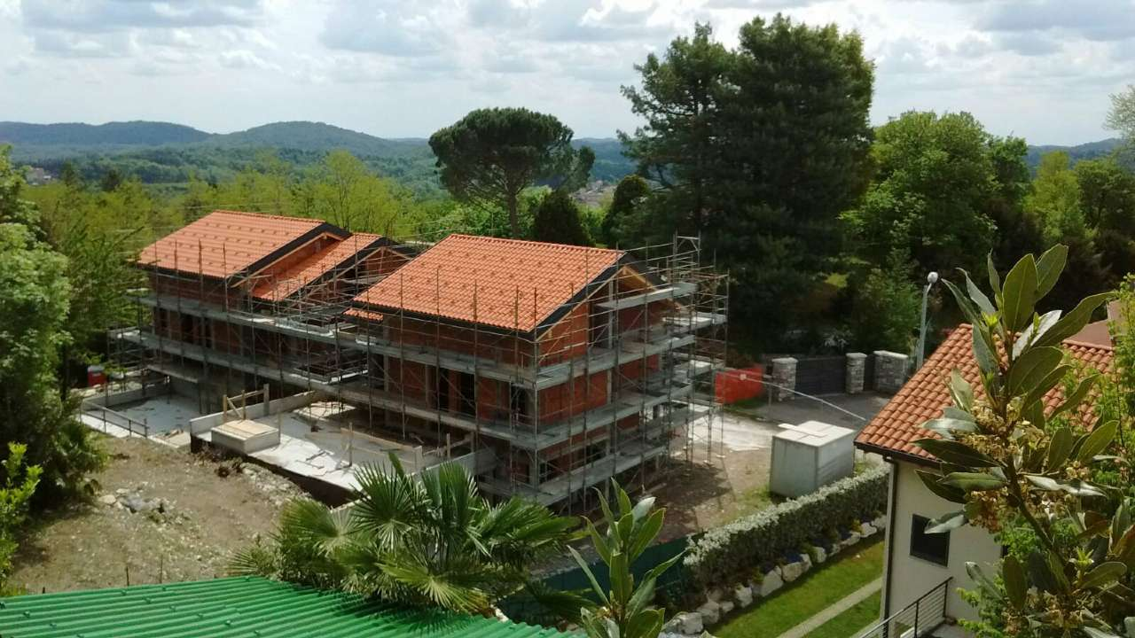 Villa Bifamiliare in vendita a Viggiù, 3 locali, prezzo € 230.000 | CambioCasa.it