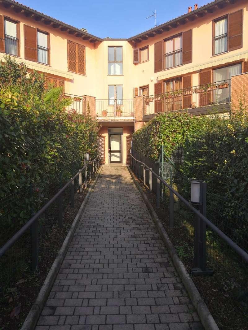Appartamento in affitto a Galliate Lombardo, 3 locali, prezzo € 650 | CambioCasa.it