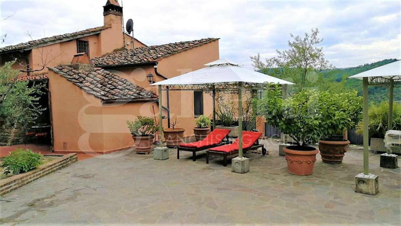 Villetta a schiera in buone condizioni in vendita Rif. 8427348